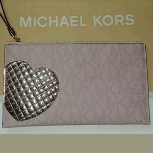 New Michael Kors Signature Pink Heart Clutch